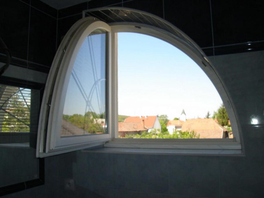 Okná a okenice